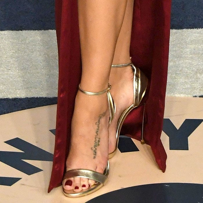Jenna Dewan Tatum's feet in Casadei gold layered-heel sandals