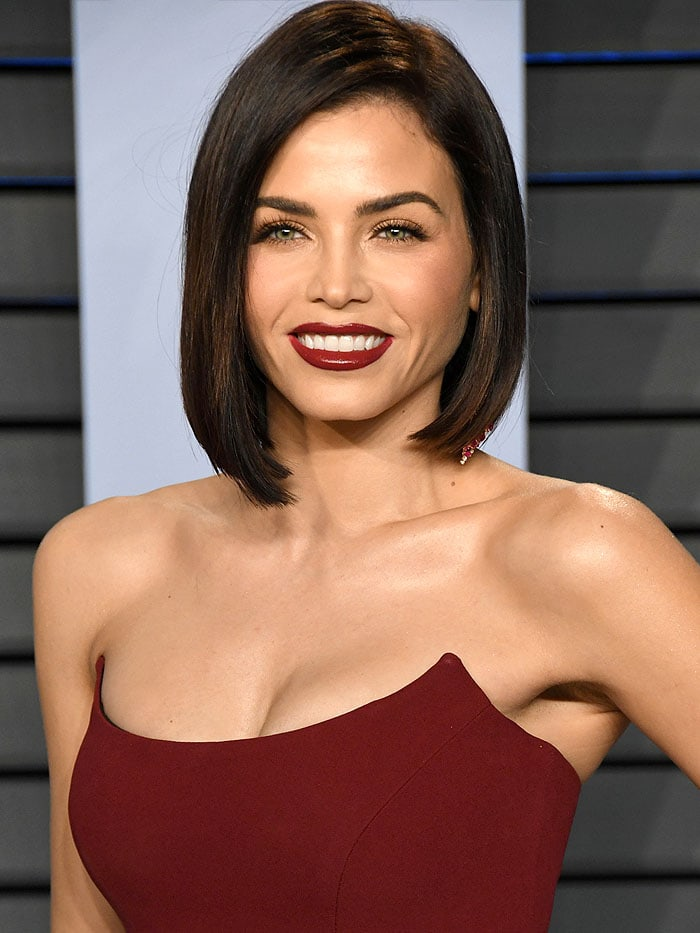 Jenna Dewan Tatum's sexy lips and Hueb diamond dangling earrings