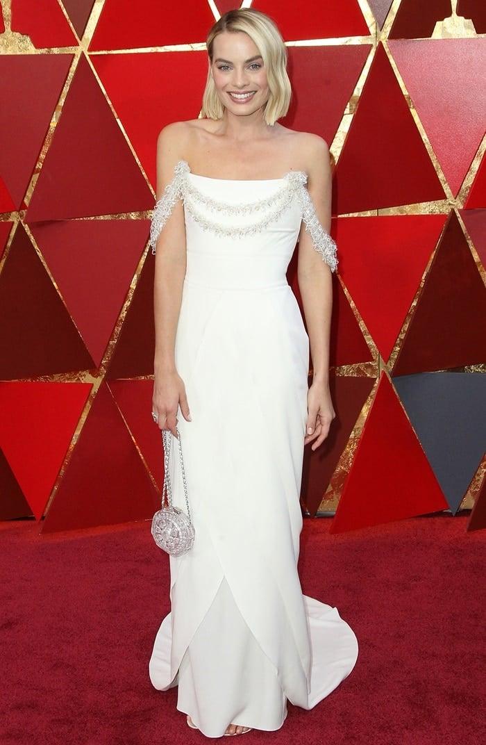 Margot Robbie Wears Ultimate Chanel Dream Dress At 2018 Oscars