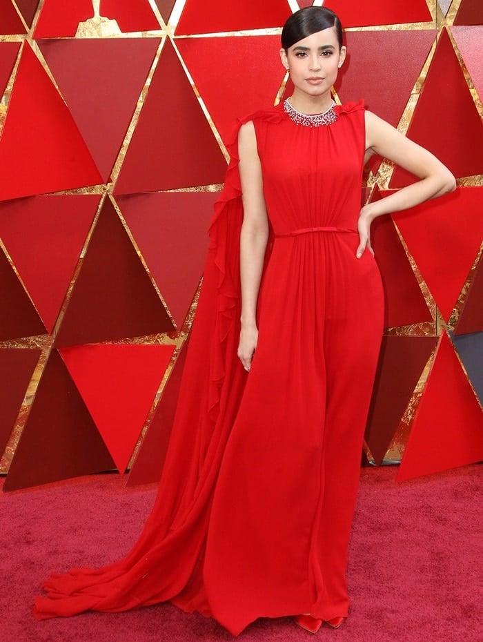 Sofia Carsonwearing a Giambattista Valli dressat the 2018 Oscars