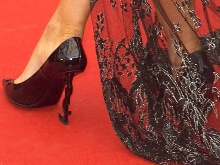 Closeup of the Saint Laurent 'Opium' pumps on Tallia Storm.